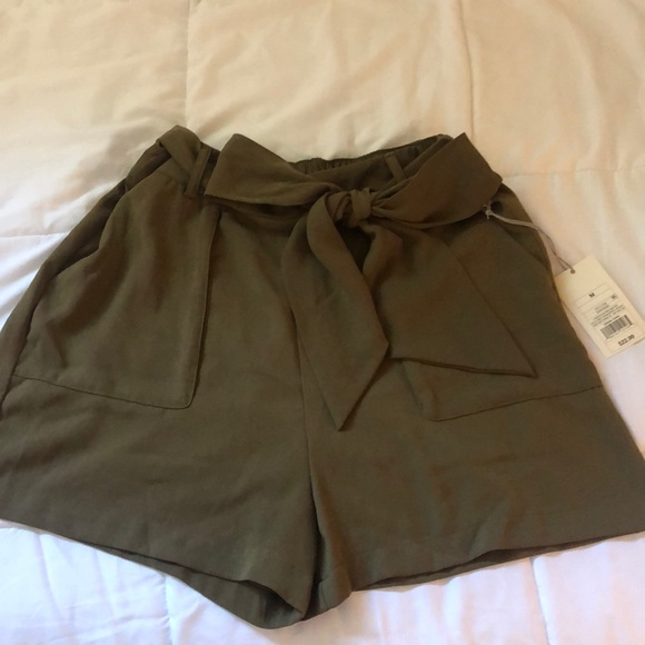 a new day Pants - Dark green shorts